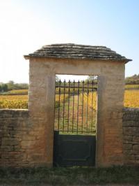 Montrachet_domaineleflaive_gate